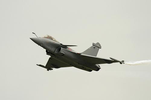 French Dassault Rafale in Flight. Photo: Flickr.com/Ronnie Macdonald