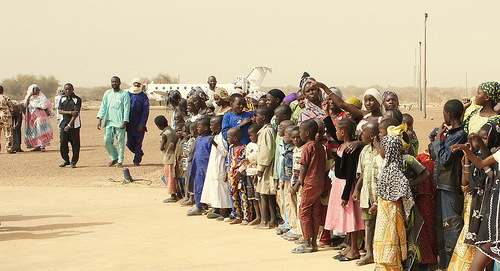 People waiting for humanitarian aid in Gao, Northern Mali. Photo: Flickr.com/ US Mission Geneva