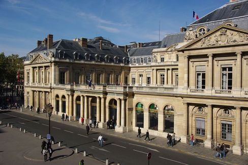 Outside of the Conseil d'Etat. Photo: Wikimedia Commons/Cdedc