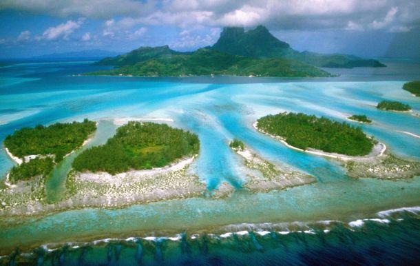 Bora, Bora in French Polynesia. Photo: Wikimedia Commons/ makemake