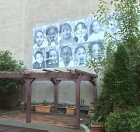 One of the NYFACS murals of previous kindergarten classes. Photo: Grace Jamieson for La Jeune Politique