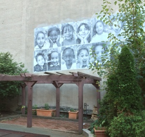One of the NYFACS murals of previous kindergarten classes. Photo: Grace Jamieson for La Jeune Politique